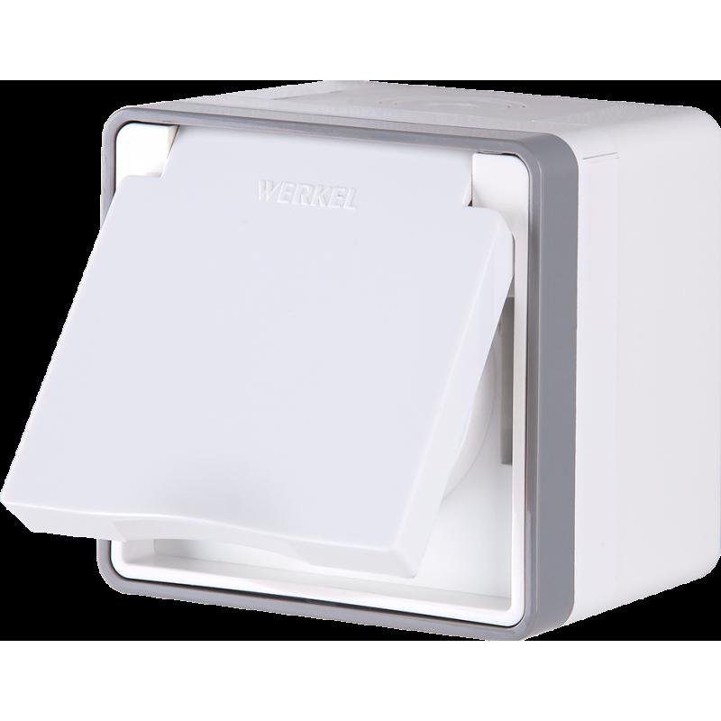 Розетка влагозащищенная с заземлением с защитной крышкой и шторками Werkel Gallant белый WL15-02-04